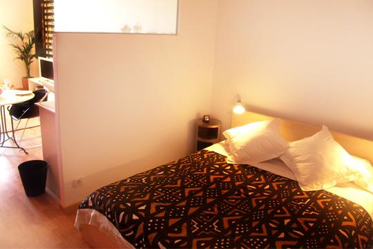 eine bernachtung in barcelona charmante studiowohnung f r verliebte p rchen nah den ramblas. Black Bedroom Furniture Sets. Home Design Ideas