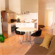 Studios Barcelona. Charming studio apart for romantic getaways, near the Ramblas