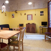 Barcelona, youth hostel or rental apartment? Finca, the low cost rental alternative