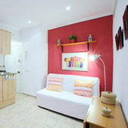 Cheap apartments in Barcleona for 4 people near Barceloneta beach