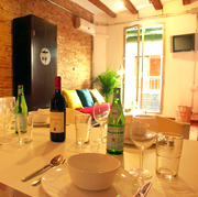 El Born Accommodation Barcelona. Charming apartment near the Picasso museum, well equipped