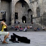 barcelona-guitar-player