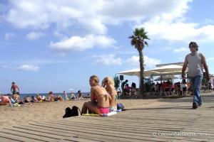 barcelone-plage-touristes