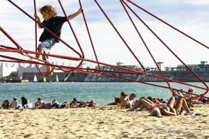beach-children-playing