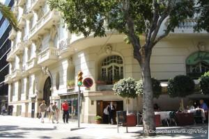 palacio-diagonal-entrance