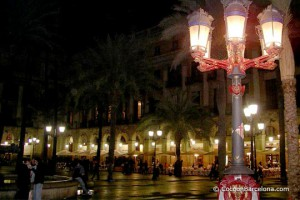 plaza-real-night