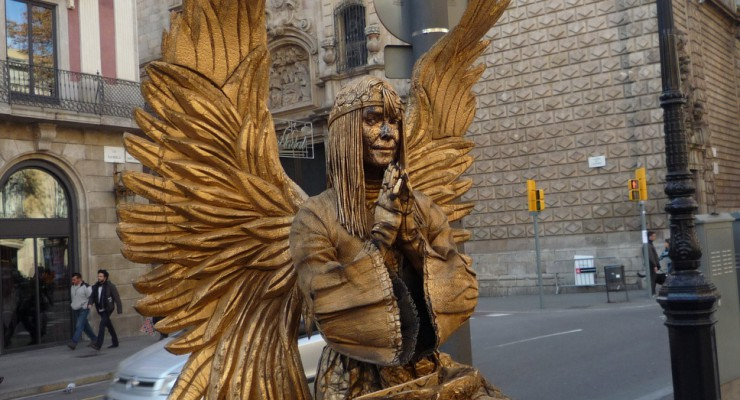 The Ramblas – Meet the human statues