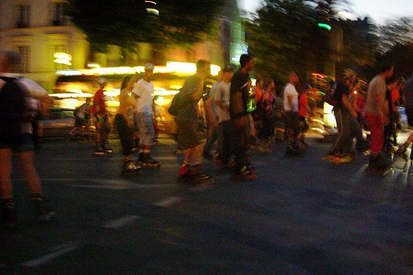 """Friday Night Skates"" is riding Barcelona"